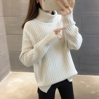 Turtleneck Sweater from Ageha