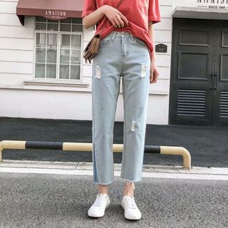 Distressed Cropped Straight Cut Jeans from Aigan