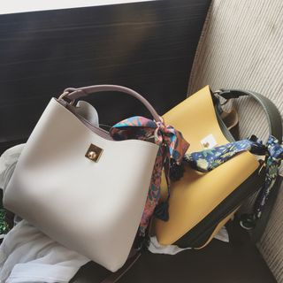 Color Block Bucket Bag from Aishang