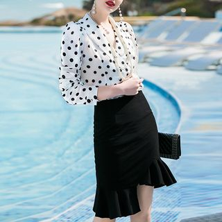 Dotted Blouse / Ruffle Pencil Skirt / Set from Aision