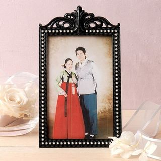 Faux-Pearl Engraved Photo Frame Black - One Size from BABOSARANG