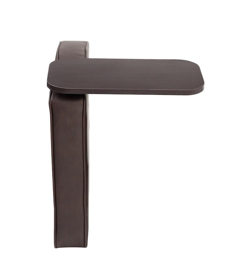 Boss Office Products BRS2RT-BB Boss Bomber Brown Right Arm with Mahogany Tablet. from Boss Office Products