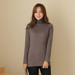 Turtle-Neck Plain Top from CLICK