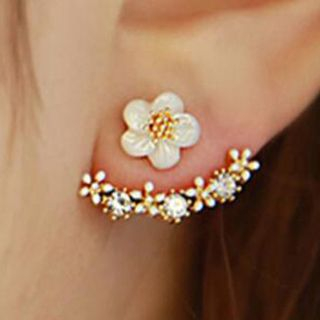 Flower Swing Earring from Cheermo