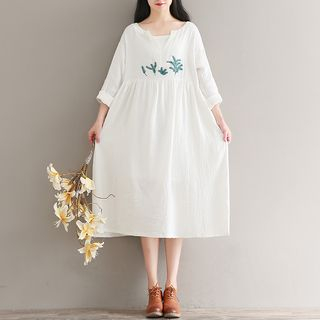 Embroidered Long Sleeve Midi Dress from Clover Dream