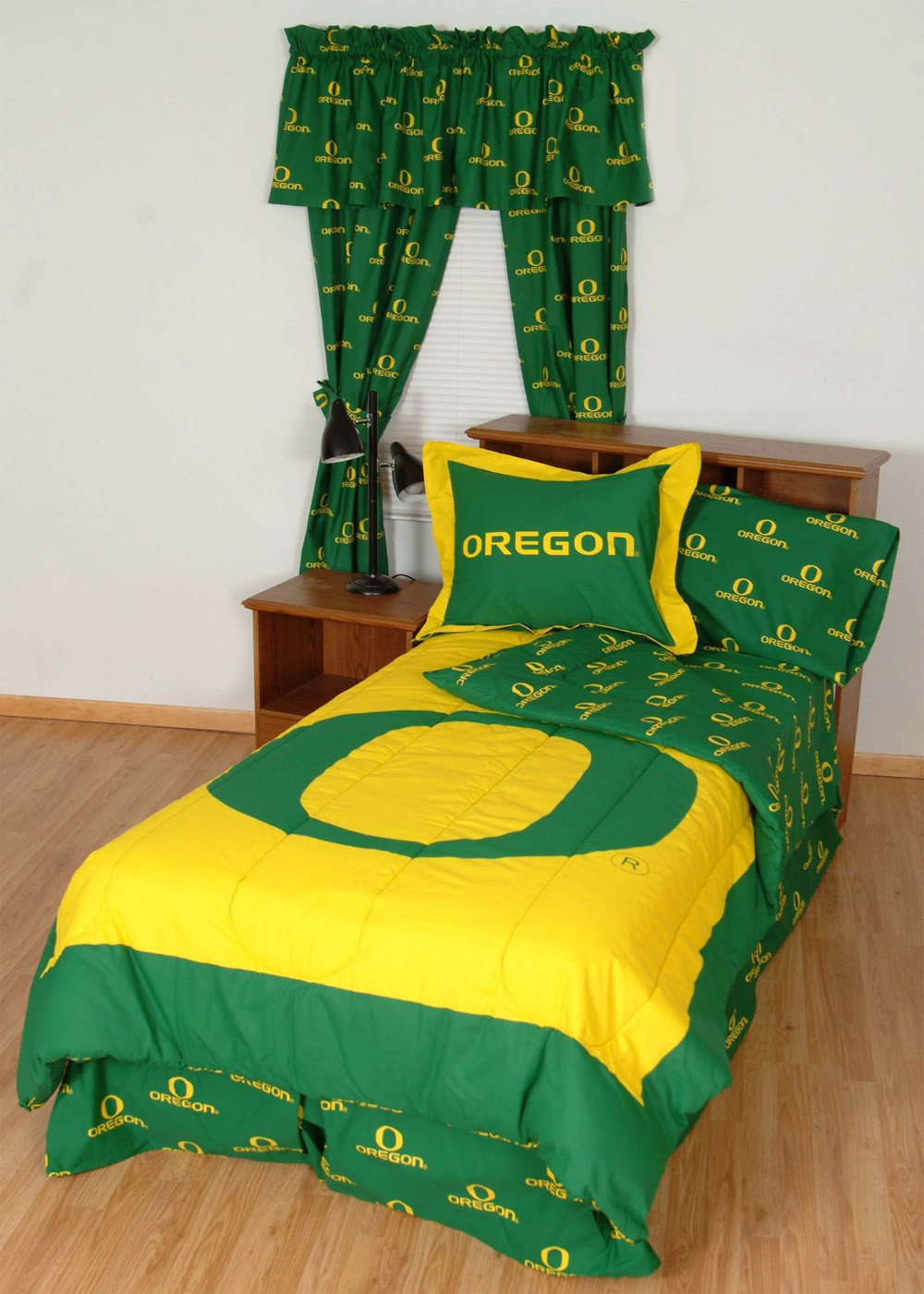 Oregon Bed in a Bag Twin - With Team Colored Sheets - OREBBTW by College Covers from College Covers