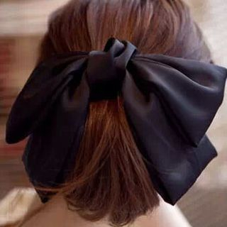 Bow Hair Clip from DEBE