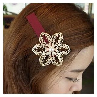 Perforated Floral Hair Clip from DEBE