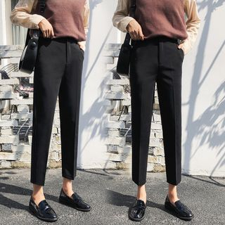 Cropped Straight-Cut Pants from EFO