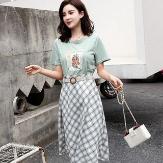Set: Short-Sleeve Print T-Shirt + Plaid A-Line Skirt from EFO