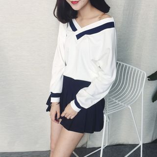 Long-Sleeve Contrast Trim Top from Fashion Street