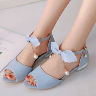 Bow Sandals from Freesia