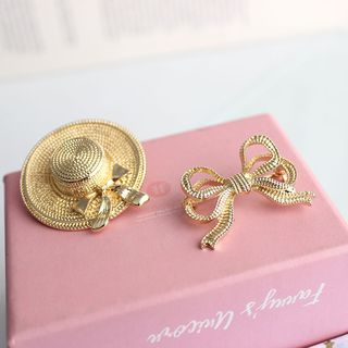 Alloy Miniature Sun Hat Brooch / Bow Brooch from Green Isle