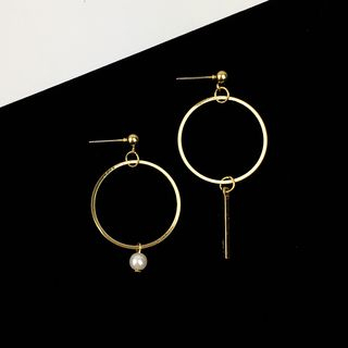 Asymmetric Drop Earrings from HEDGY