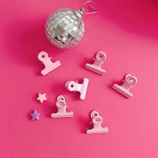 Pink Paper Clip from Intimo