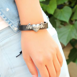 Flying Heart Genuine Leather Bracelet from KINNO