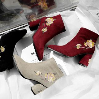 Flower Embroidered Block Heel Short Boots from Kireina