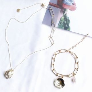 Faux Pearl Alloy Shell Pendent Necklace from Kulala