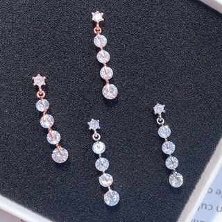 Rhinestone Star Dangle Earring from Kulala