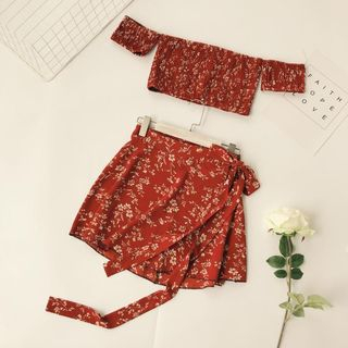 Set: Floral Short-Sleeve Crop Top + A-line Skirt from Lucuna