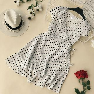 Short-Sleeve Dotted A-Line Dress from Lucuna