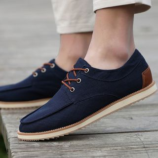 Lace-Up Casual Shoes from MARTUCCI