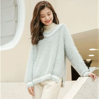 Contrast Trim Mock-Neck Sweater from Miahynn