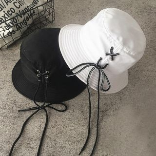 Lace Up Bucket Hat from Pompabee