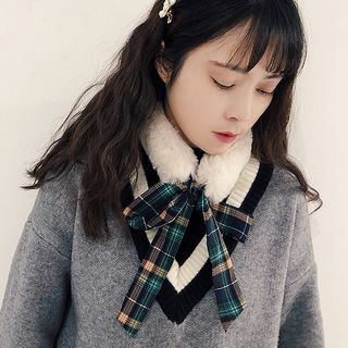 Plaid Bow Chenille Scarf from Pompabee