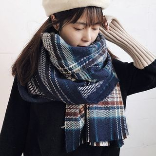 Plaid Scarf from Pompabee