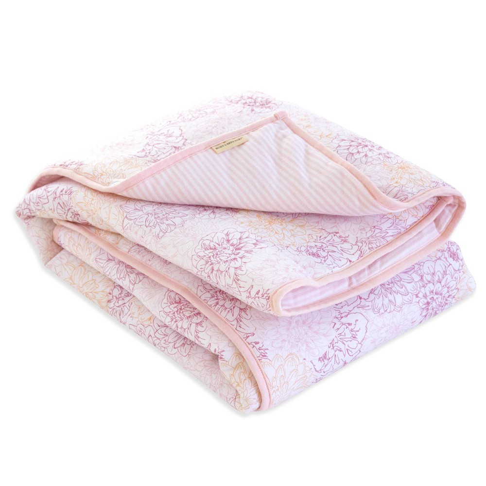 Burt's Bees Baby Organic Reversible Quilt - Peach Floral from Burt's Bees Baby