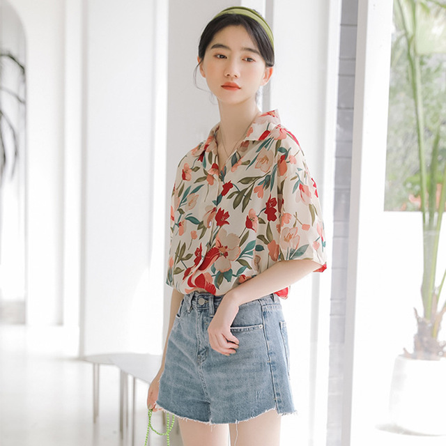 Printed Short-sleeved  Women's Lapel Loose Thin Half-sleeved Shirt