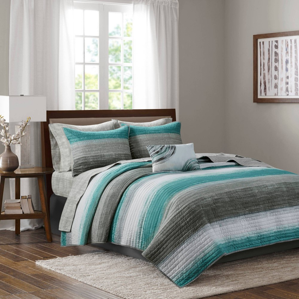 Seth Queen 8pc Complete Reversible Coverlet and Cotton Sheet Set Aqua from No Brand