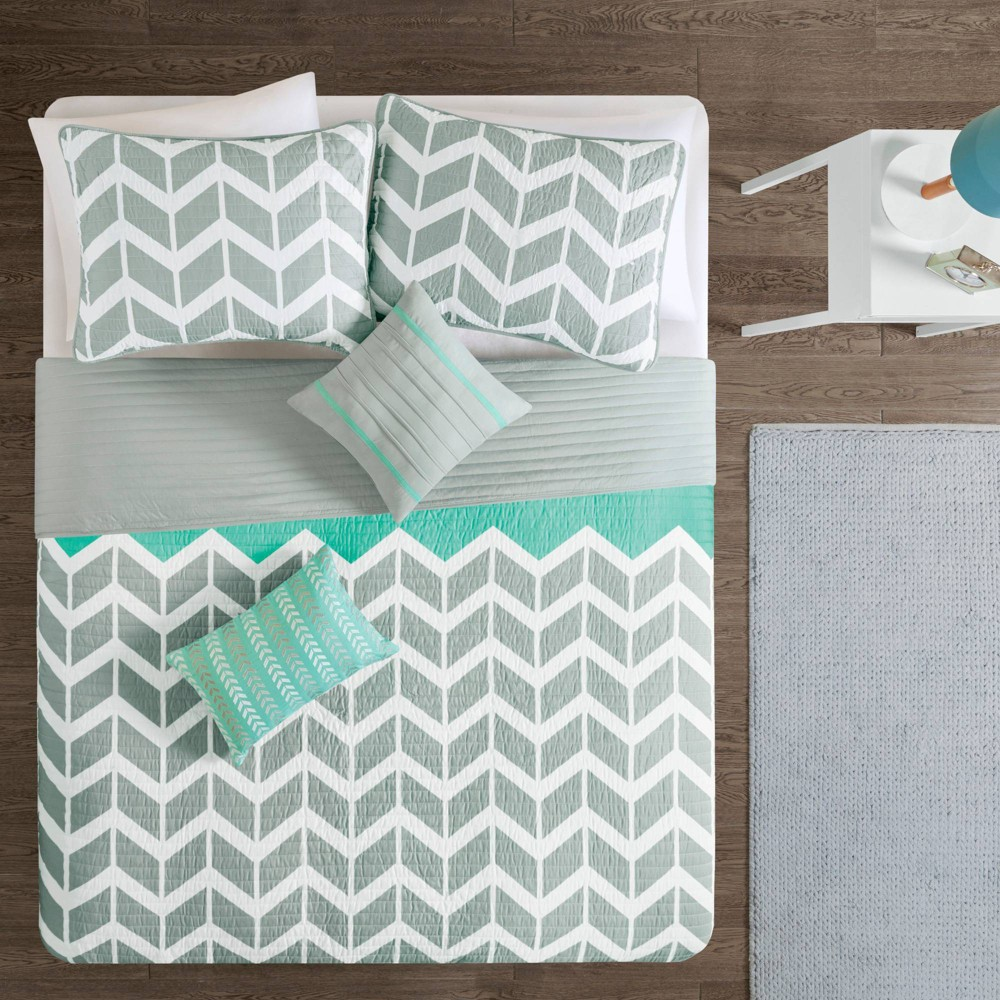 Teal Chevron Darcy Quilted Coverlet Set (King/California King) - 5pc from No Brand