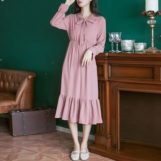 Bow Accent Long-Sleeve Plain Midi Dress from Snow Flower