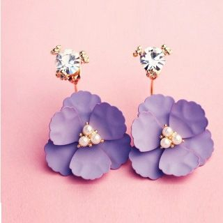 Floral Earrings from Utsukushi