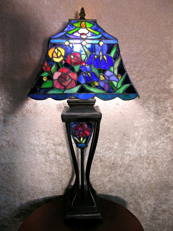 Tiffany Style Floral Table Lamp with Lighted Base by Warehouse of Tiffany 2295#LS BB635 from Warehouse of Tiffany