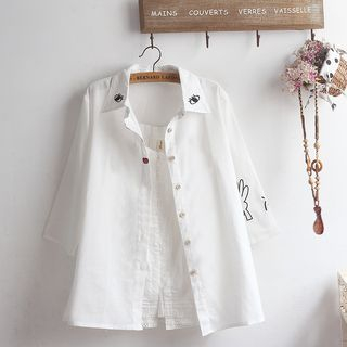 Embroidered Elbow-Sleeve Shirt from akigogo