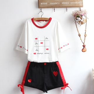 Set: Elbow-Sleeve Printed T-Shirt + Heart Embroidery Shorts from akigogo